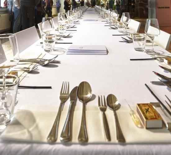 gedekte tafel etenswaar