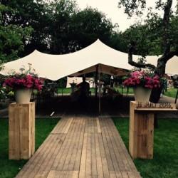 Mooie tent voor een mooie bruiloft   Etenswaar catering Eindhoven