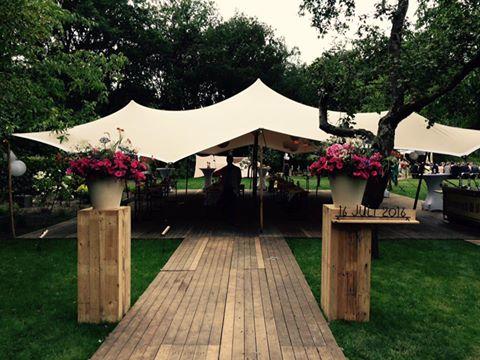 Mooie tent voor een mooie bruiloft | Etenswaar catering Eindhoven