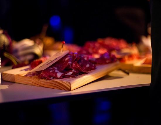 Borrelplank voor Tue | Etenswaar catering Eindhoven
