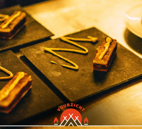 Glow 2017 Zwart Wit Koffie Etenswaar Vuurzicht.Dessert
