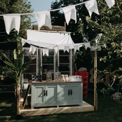 Bar. Elke Verbruggen fotografie Etenswaar catering Styling Happy Vintage Bruiloft J&C