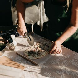 Bruiloft J&C Flammkuchen 2 Etenswaar catering Styling Happy Vintage Elke Verbruggen fotografie